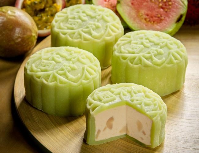 Goodwood-Park-Hotel-Pink-Guava-Passionfruit-Rambutan-Snowskin-Mooncake.jpg